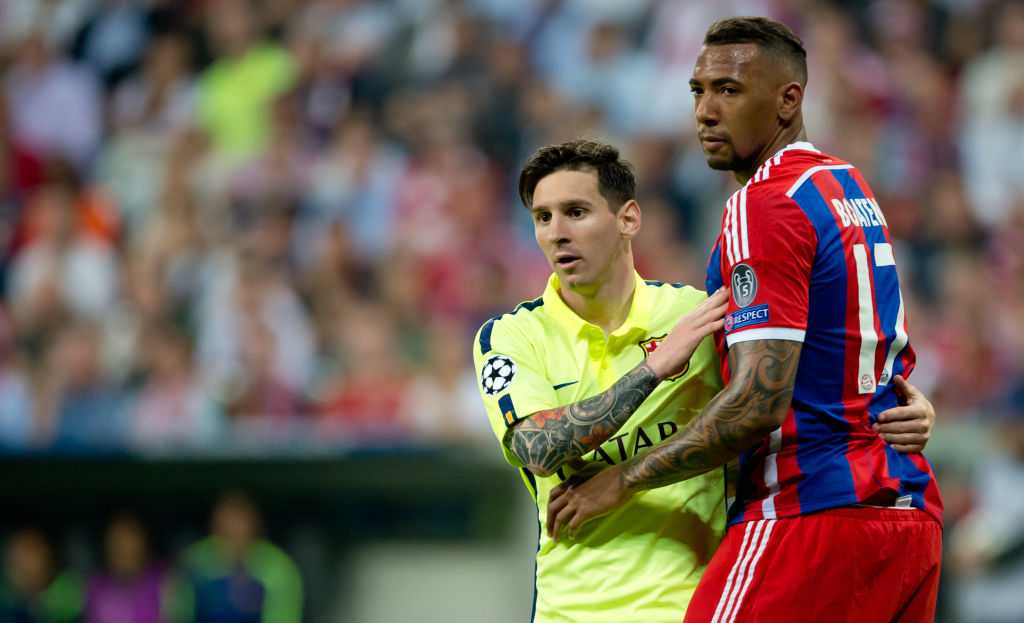 Barca's Lionel Messi im Duell mit Jerome Boateng
